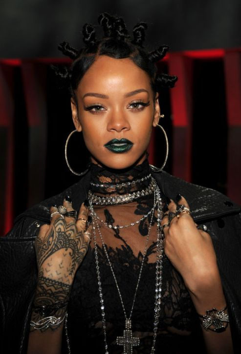 rihanna-green-lipstick-i-heart-radio-awards-w540.jpg